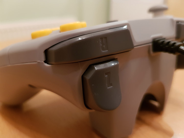 Close up shot of the Brawler 64's Z and R buttons