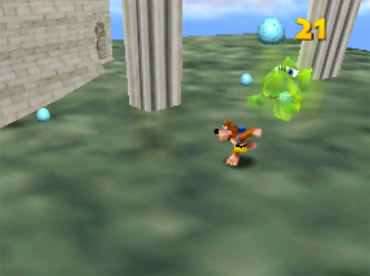 Banjo being chased by a Tee-hee in Banjo-Kazooie: Smash Bros. Temple mod for N64.